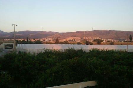 Guzelbahce doga icinde ahsap ev - İzmir - Vila