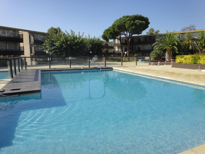 Modern apartments with pool. Ref. Comtat Sant Jordi -24 M