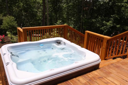 Cedar Chalet at Forest Cove Getaways - Franklin - Villa