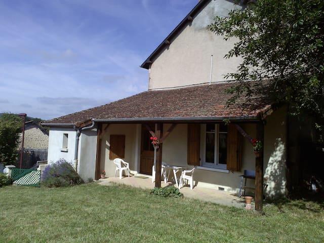 Gîte, maison de vacances - Poil - House