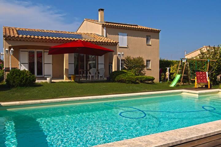 chambre privée ecologique piscine 1 chambre 2 pers - Saint-Saturnin-lès-Avignon - Villa