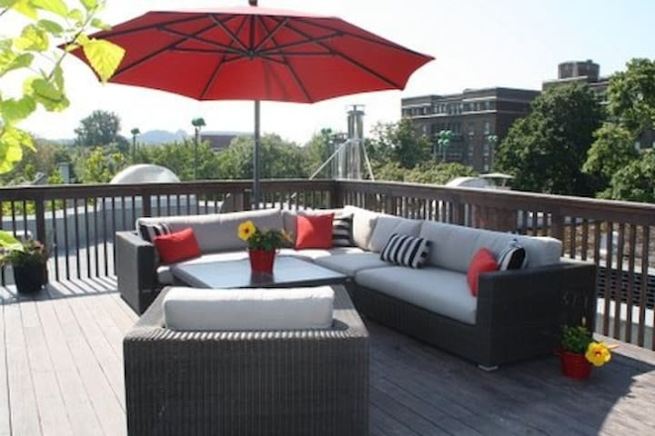 2nd Floor condo w roof top patio - Montréal - Lejlighed