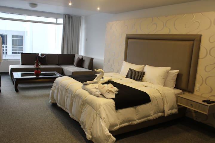 Suite 204 Hotel Miraflores