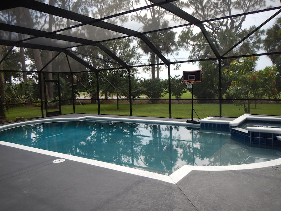 Golf front 5 bedroom pool home downtown melbourne houses for 5 bedroom house with pool