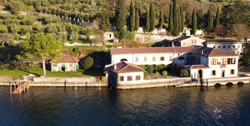 Villa Beatitudo - esclusiva dimora sul Lago d'Iseo