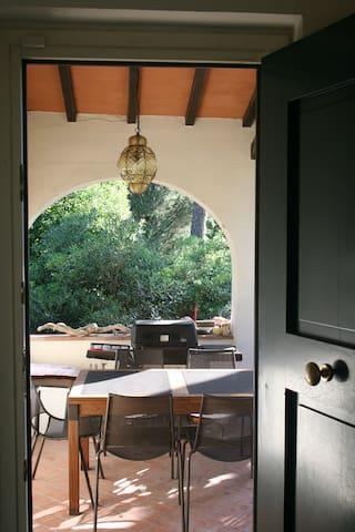 a firenze camere in villa con giardino. - Florencie - Byt