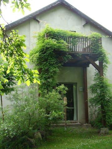 Atelierhaus auf dem Künstlerhof - Falkenberg/Mark - Apartment