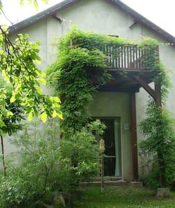 Atelierhaus auf dem Künstlerhof - Falkenberg/Mark