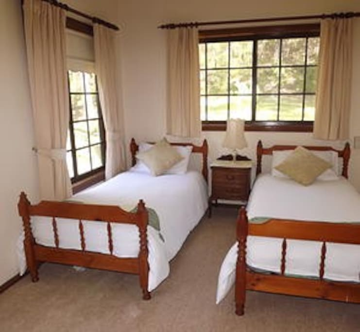 Second Bedroom (Twin Size Beds)