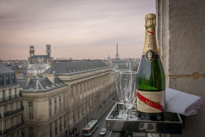 Saint Germain - 1 br central & view - Paris - Apartemen