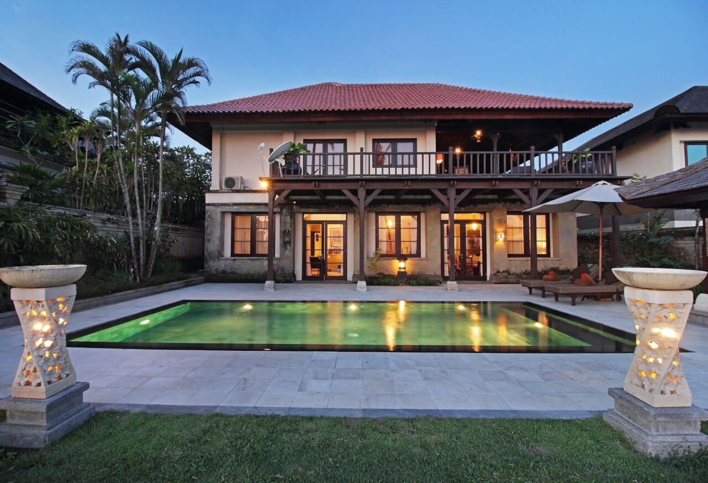 Villa with private pool overlooking golf and ocean