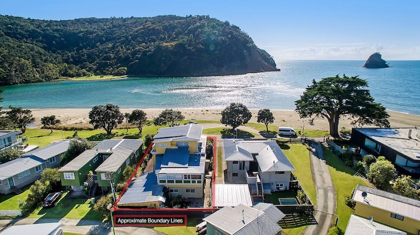 Absolute Beachfront Holiday Unit! - Waiwera