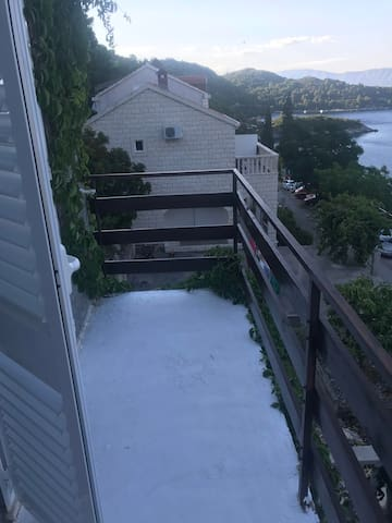 Double room for 2 with balcony oversea view