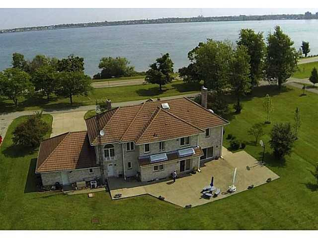 Spectacular Niagara Riverfront Vaca - Fort Erie - House