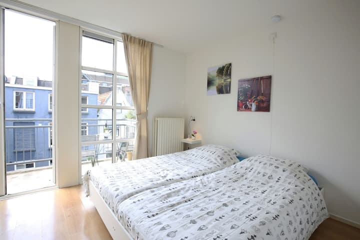 Top Location:  Your Private Room & Private balcony