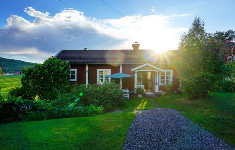 Charming house in Linghed, Sweden - Falun - House