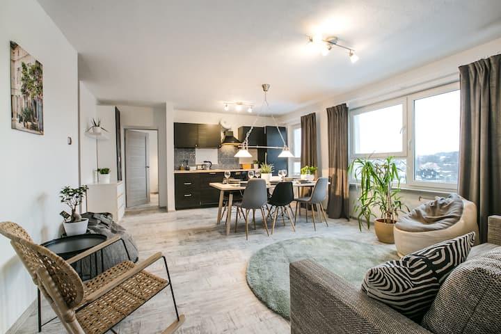 Light amber apartment