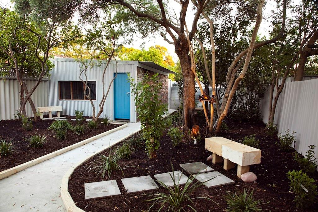 Peaceful well kept Garden
