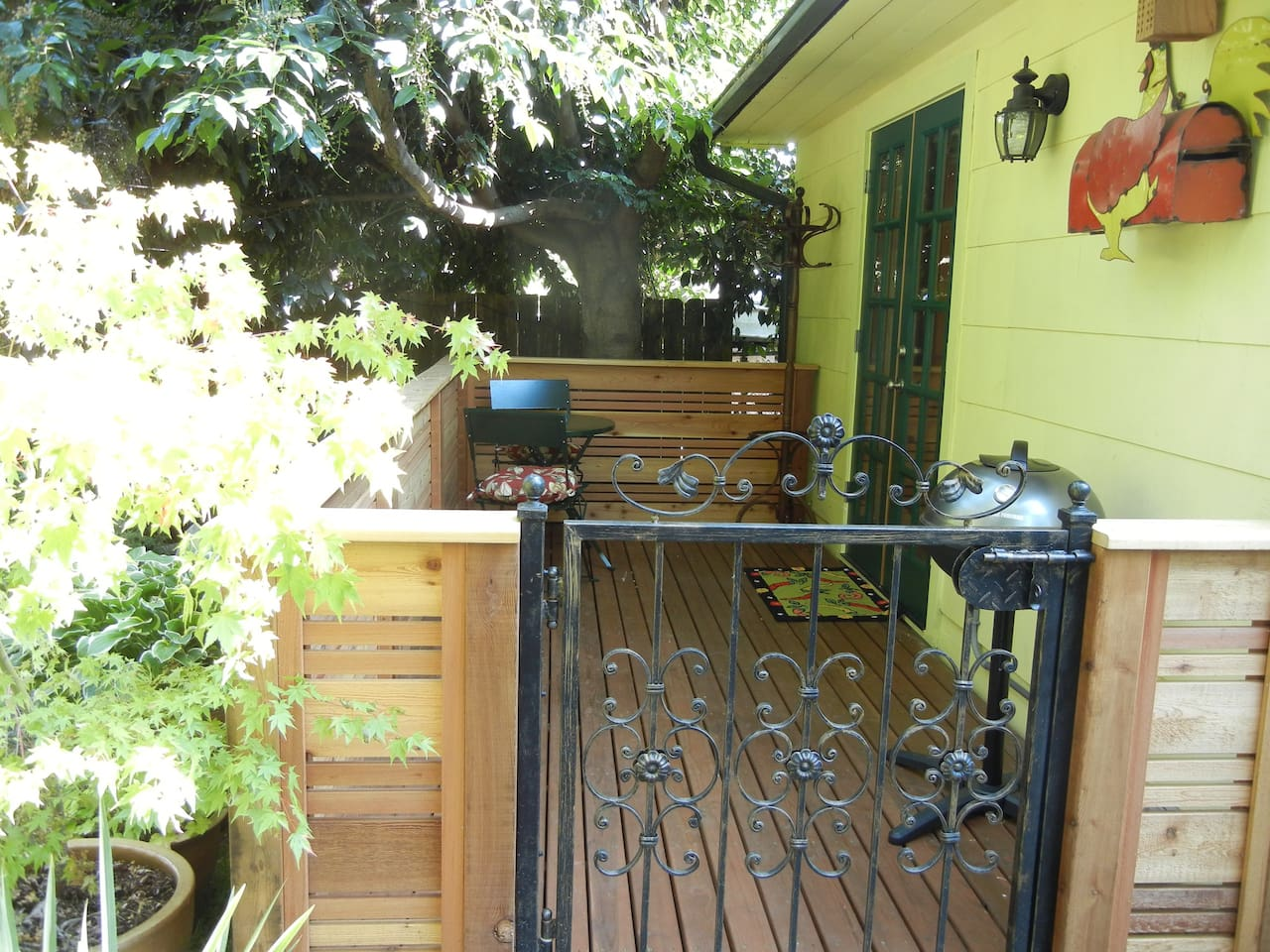 Private entrance and deck with electric grill