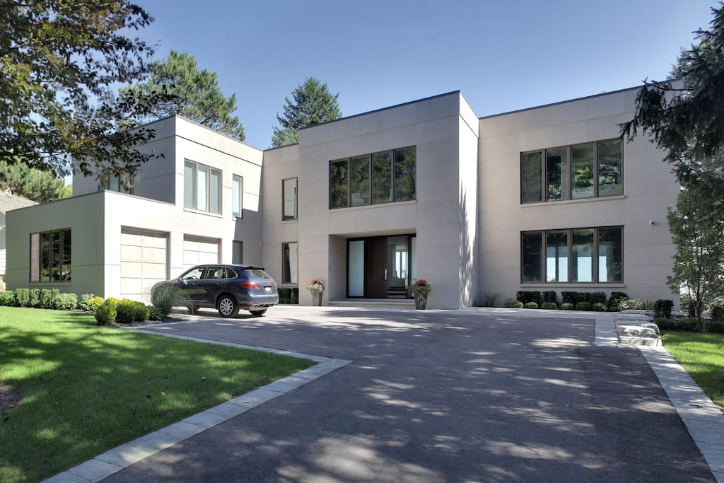 Modern Contemporary And Spacious Houses For Rent In