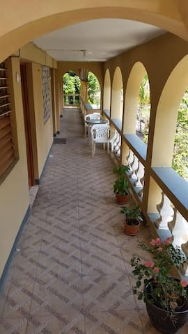 Charming 1 bedroom apartment in Montego Bay Center