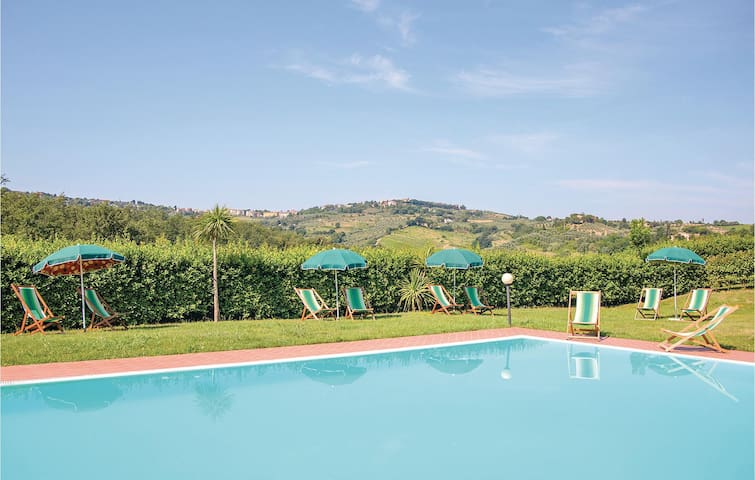 Holiday apartment with 2 bedrooms on 75m² in Montaione FI
