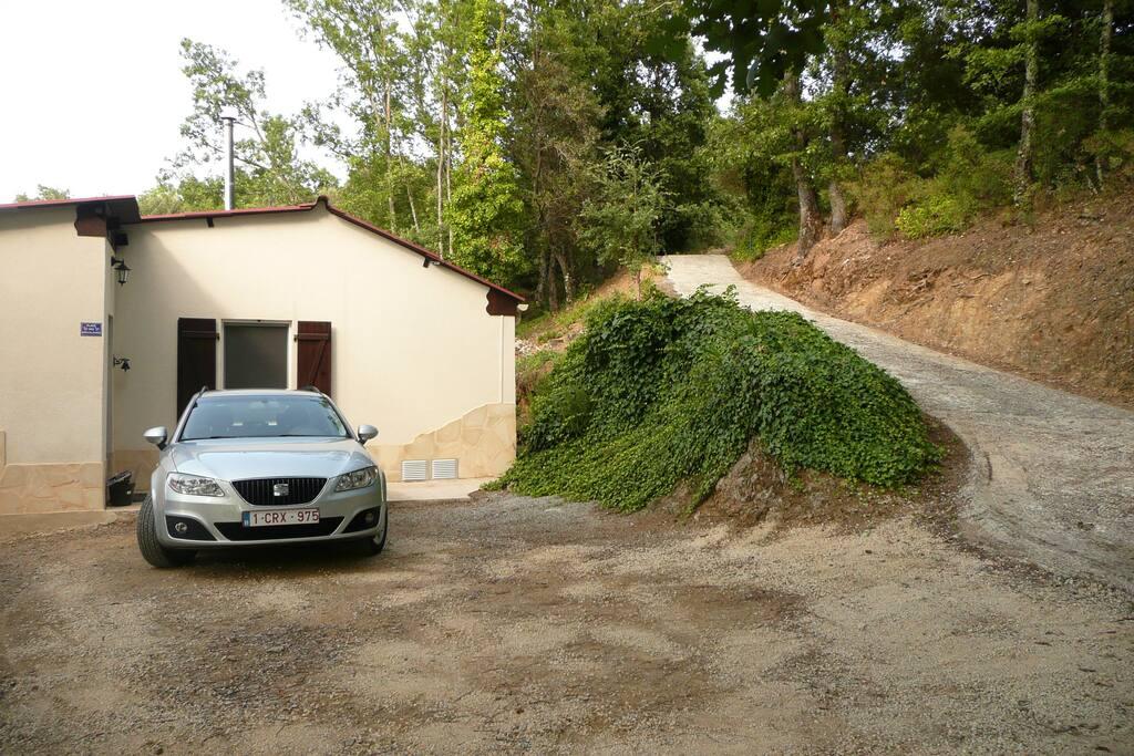 Parking privé 2 voitures