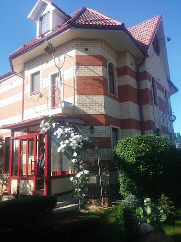 We offer three guest rooms - Жуковский, СНТ Быковка - House