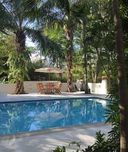 Mediterranean architecture, lush tropical gardens - Anapoima