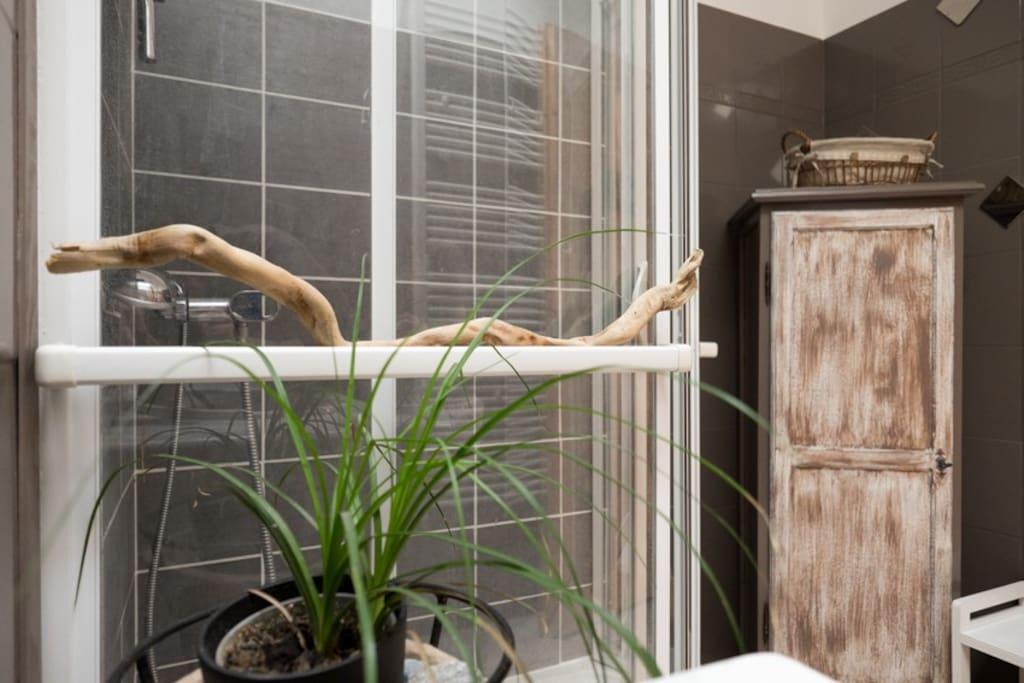 2 salles de bain à partager