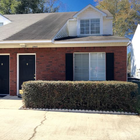 ERL 3 Bedroom 2 Bath Townhouse Convenient Location - Tallahassee - Apartament