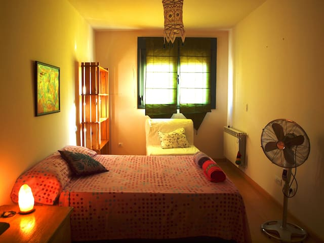 Private room with private bathroom - Rivas-Vaciamadrid - Rumah