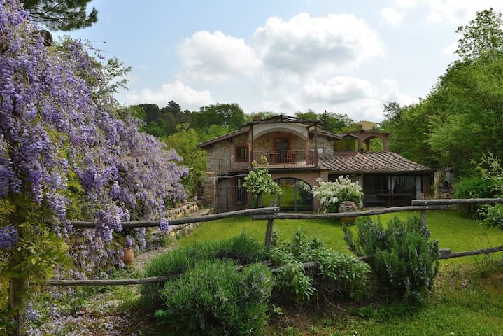indipendent house in the hard of Chianti Classico - San Casciano in Val di pesa - Villa