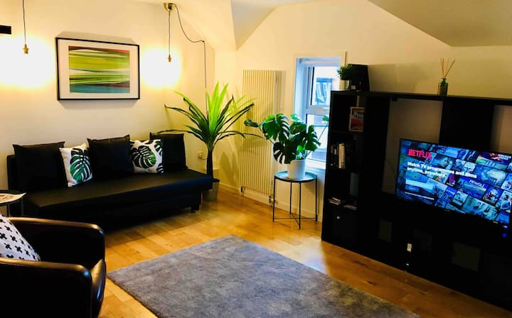 5* Fitzwilliam Apts C in vibrant Queens Qtr