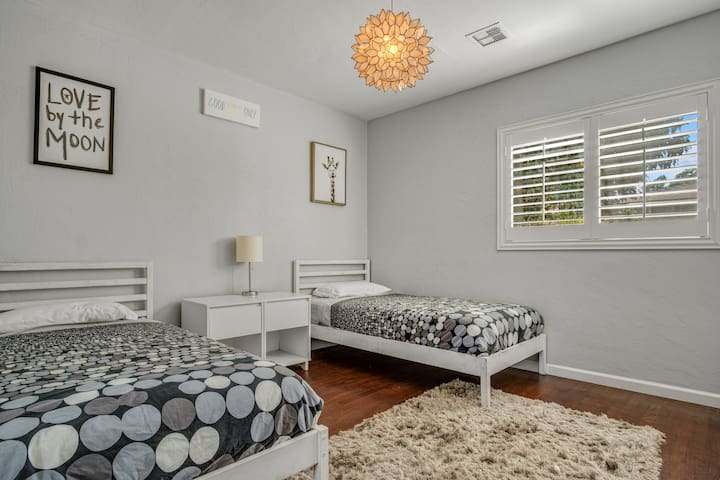 Cute and specious two twin beds!