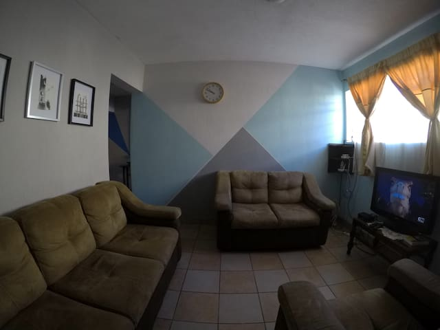 Casa céntrica y muy completa en zona 12