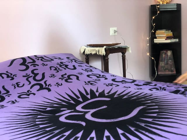 Purple Moon Room in a 3 Floor Guest House