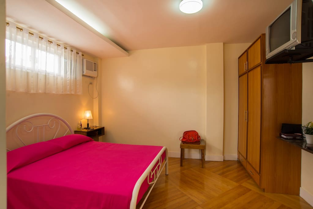 Well-lit and air-conditioned room