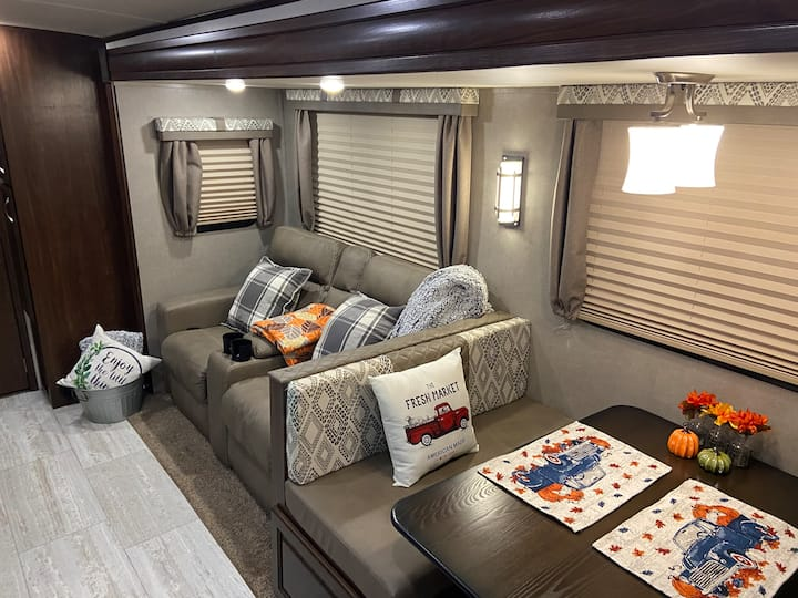 Secret Escape RV - Glamping in the Country