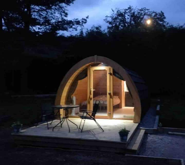 'Robin' Garden Pod, views of Ben Nevis. Nevis Pods