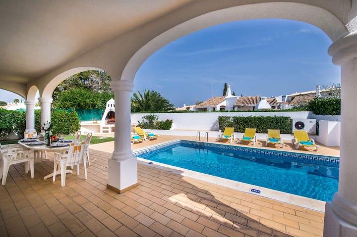 Charming Villa Aldeia in the center of Albufeira