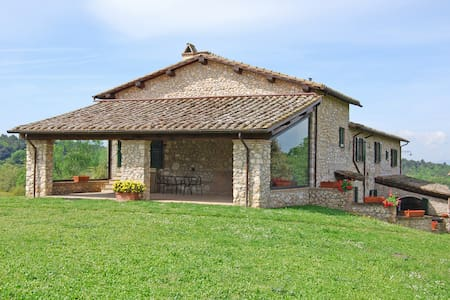 Independent property with pool, 18 - 28 people - Schifanoia - Casa