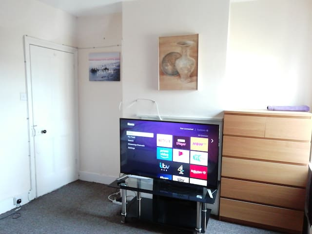 Lovely Big Room in Medway. In a central location.