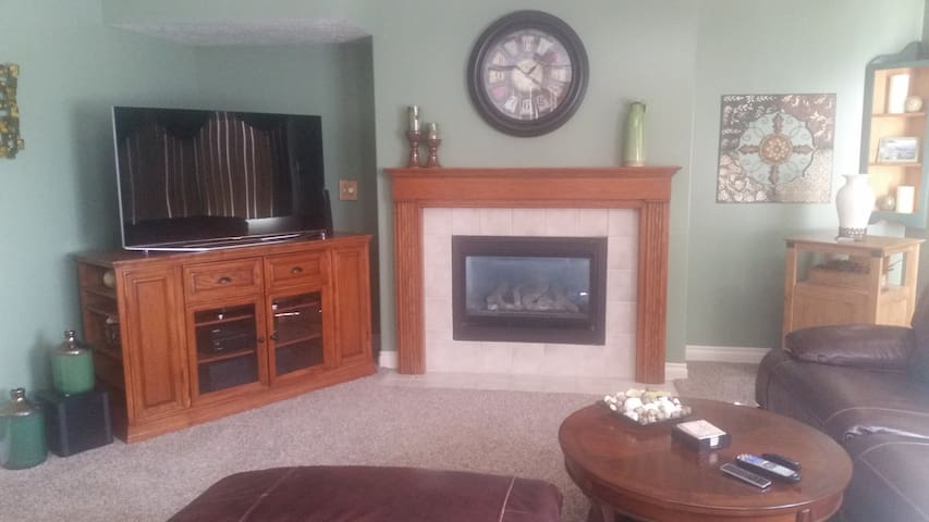 Quiet South Ogden home...comfortable and relaxing!
