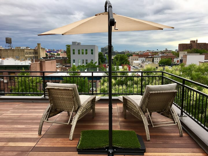 Romantic Rooftop 360 NYC views + Huge Outdoor Deck