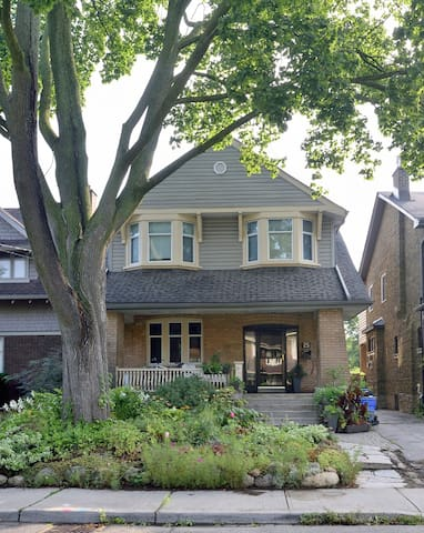Newly Renovated St. Clair Basement Apartment