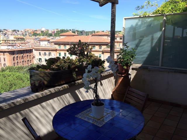 Penthouse Testaccio LaCasadiAnna - Rome - Appartement