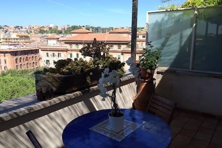 Penthouse Testaccio LaCasadiAnna - Rom - Wohnung