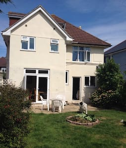 Single room in private house - Bournemouth
