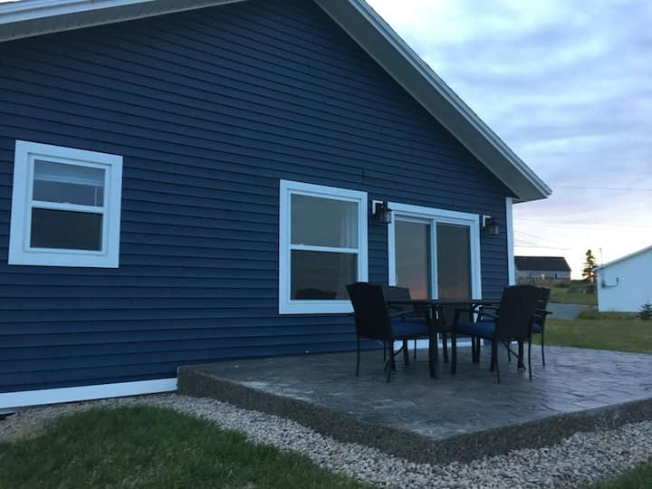 Elliston Vacation Homes (Blue House)